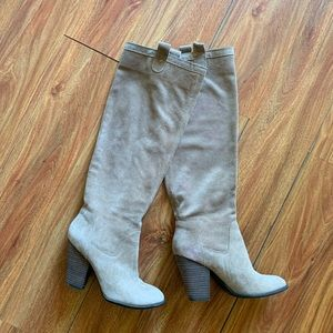 🆕❤️Vince Camuto Suede Boots